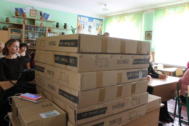 Шість навчально-освітніх закладів Кам'янця отримали коштовні подарунки, фото-2