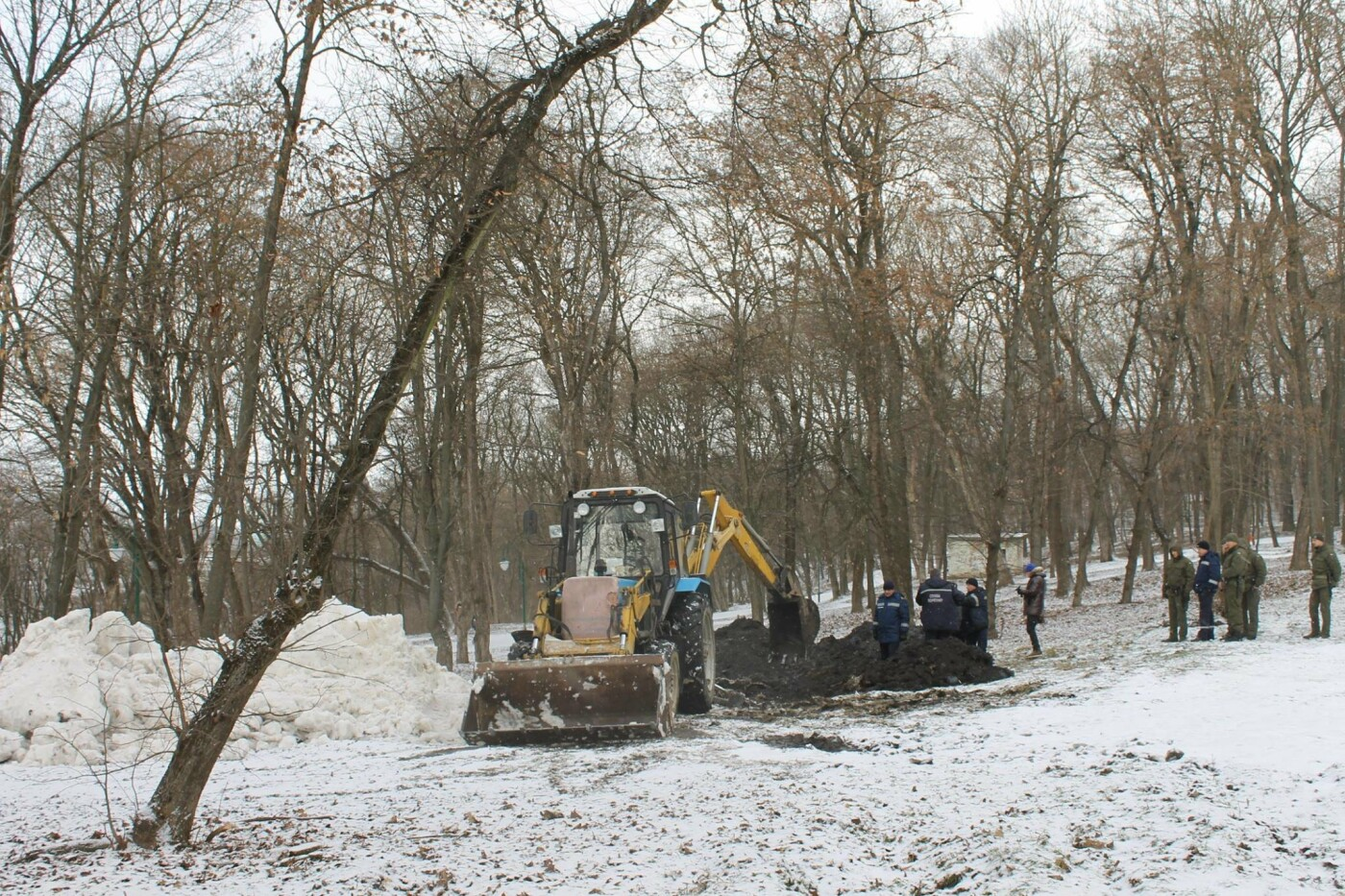 У парку Героїв Євромайдану розпочалися розкопки: відомі перші результати, фото-5