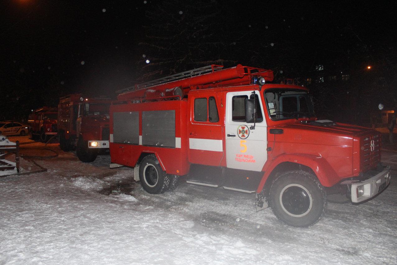 У Кам'янці з палаючого готелю врятували 8 людей, фото-4