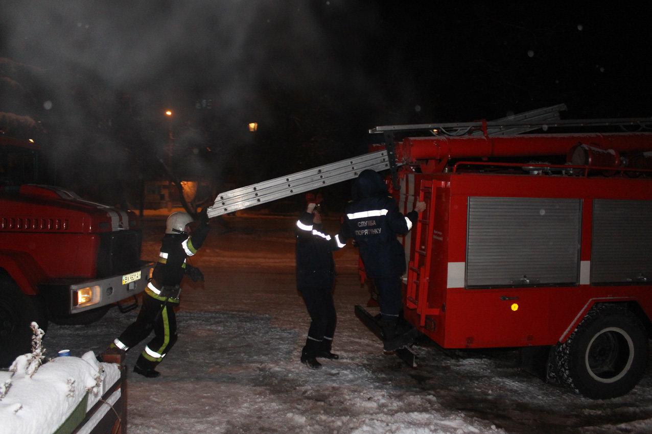 У Кам'янці з палаючого готелю врятували 8 людей, фото-3
