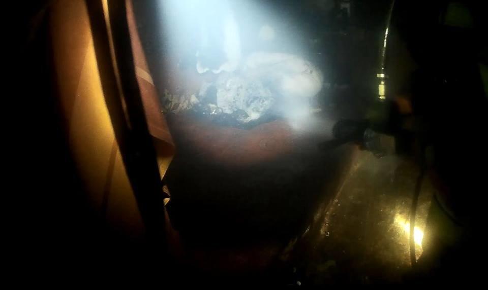 У Кам'янці необережність під час куріння ледь не спричина масштабну пожежу, фото-2