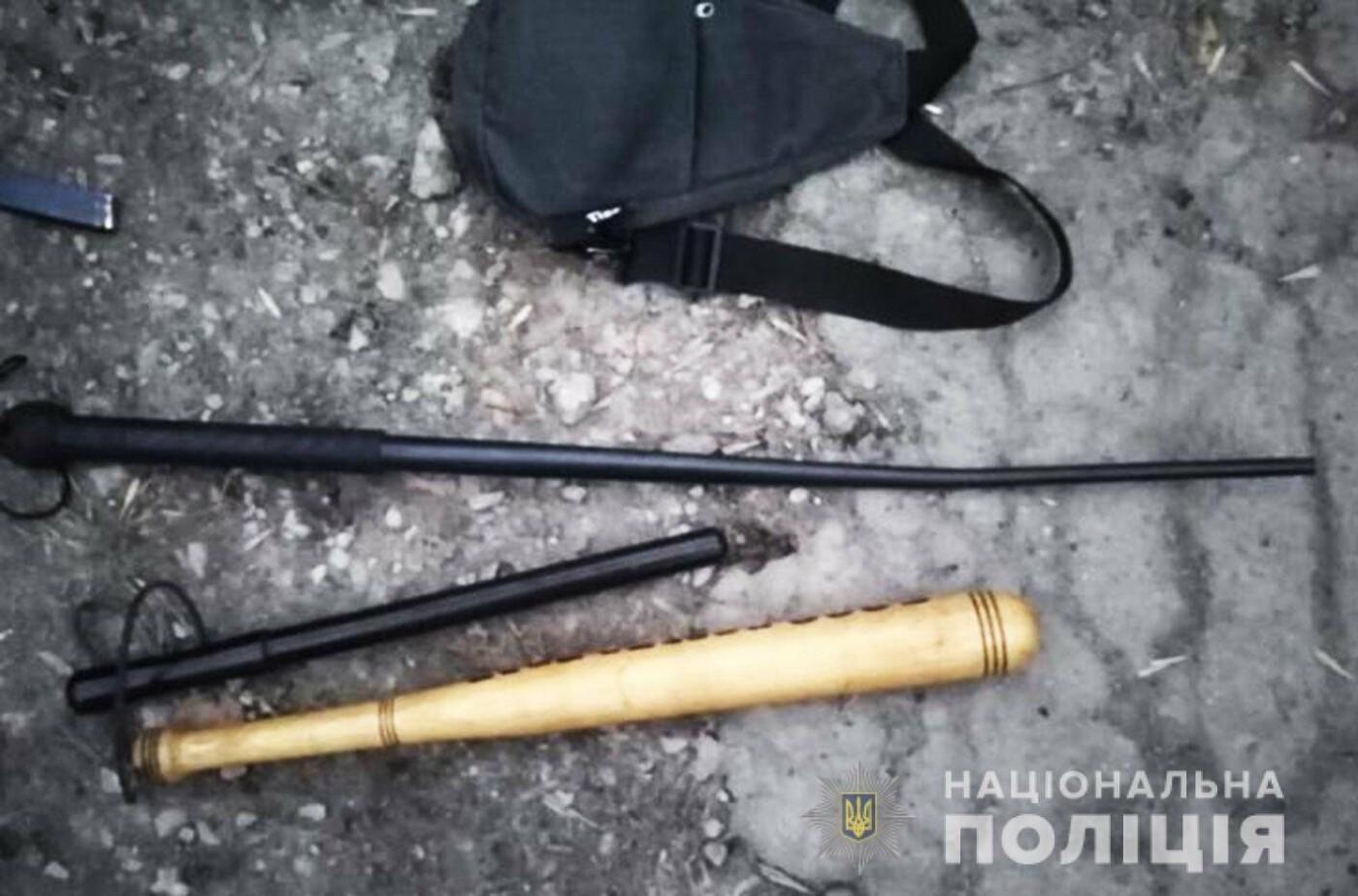 В центрі Кам'янця затримали групу вимагачів із Чернівців, фото-1