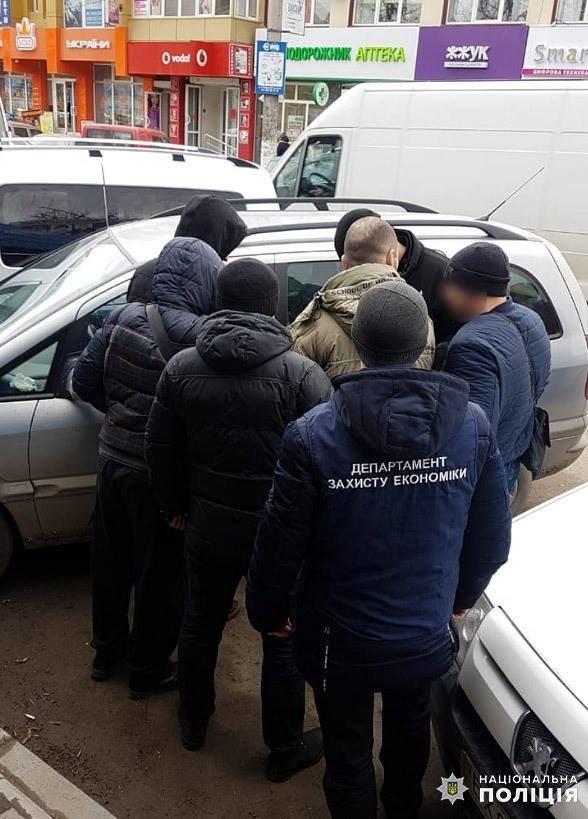 У Кам'янці-Подільському на хабарі затримали депутата районної ради, фото-1