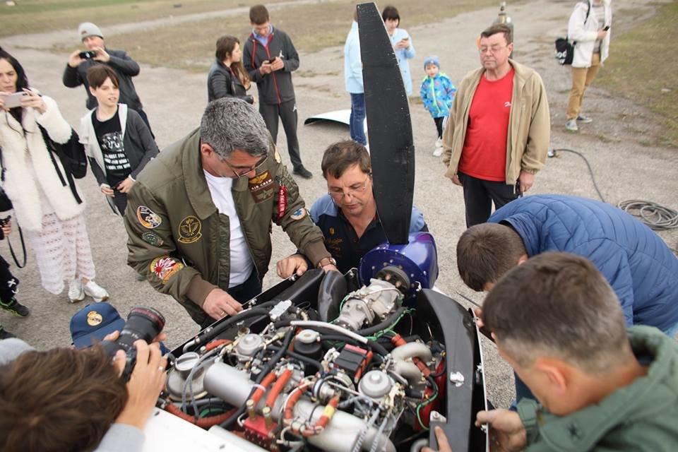 """Встановлення рекорду могло закінчитися трагічно: поблизу Кам'янця-Подільського літак раптово """"зачхав"""", фото-1"""