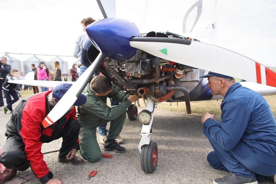 """Встановлення рекорду могло закінчитися трагічно: поблизу Кам'янця-Подільського літак раптово """"зачхав"""", фото-4"""