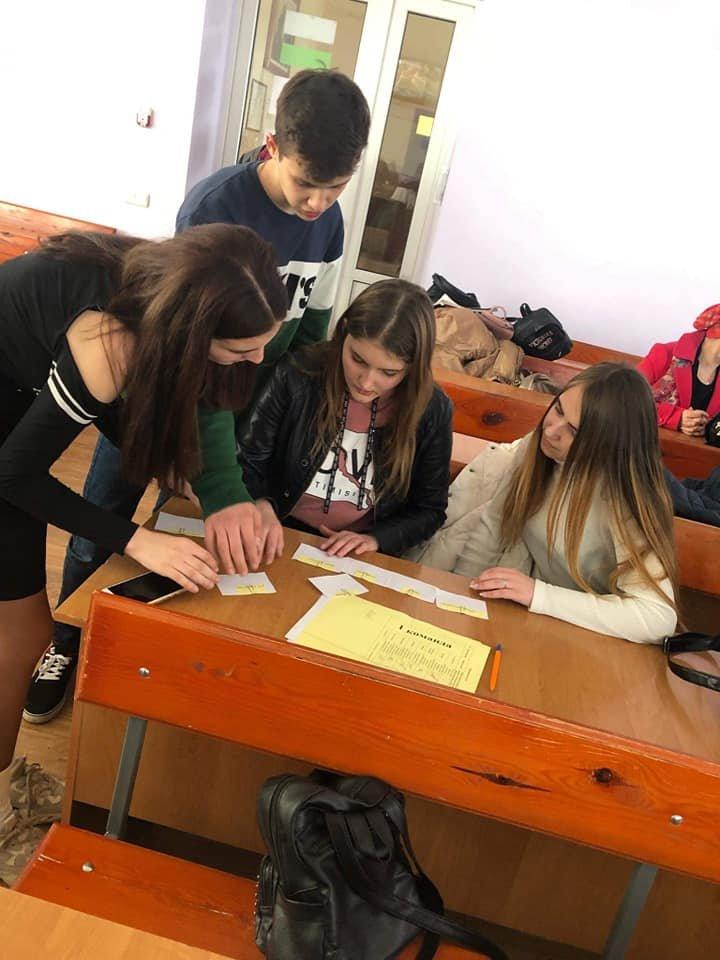 Студенти Податкового коледжу навчають школярів фінансової грамотності, фото-1