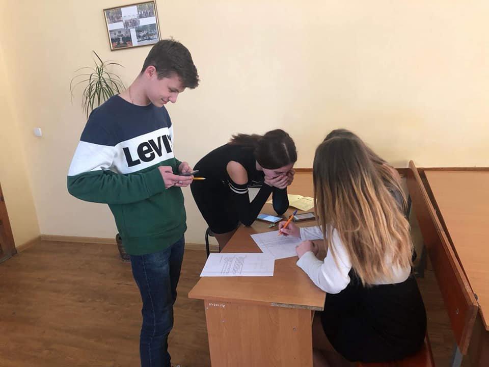Студенти Податкового коледжу навчають школярів фінансової грамотності, фото-2
