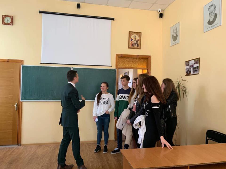 Студенти Податкового коледжу навчають школярів фінансової грамотності, фото-4