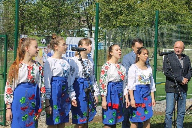 У Кам'янці відкрили спортивний та дитячий майданчики, фото-2