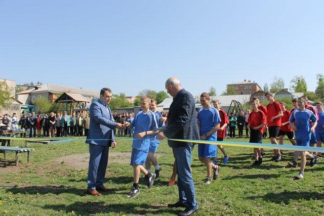 У Кам'янці відкрили спортивний та дитячий майданчики, фото-5