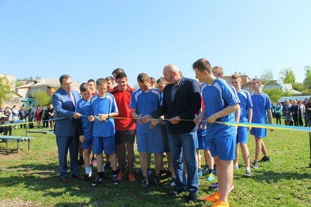 У Кам'янці відкрили спортивний та дитячий майданчики, фото-6