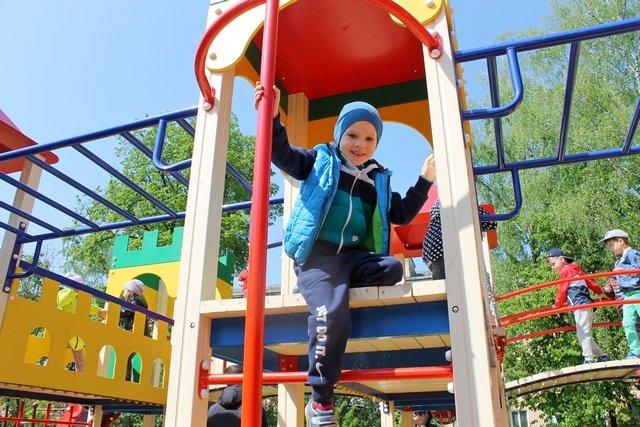 У Кам'янці відкрили спортивний та дитячий майданчики, фото-11