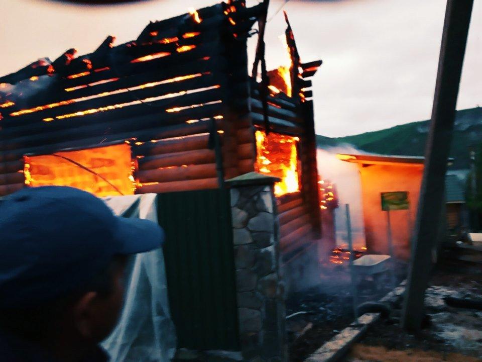 На Кам'янеччині майже вщент згорів житловий будинок, фото-3