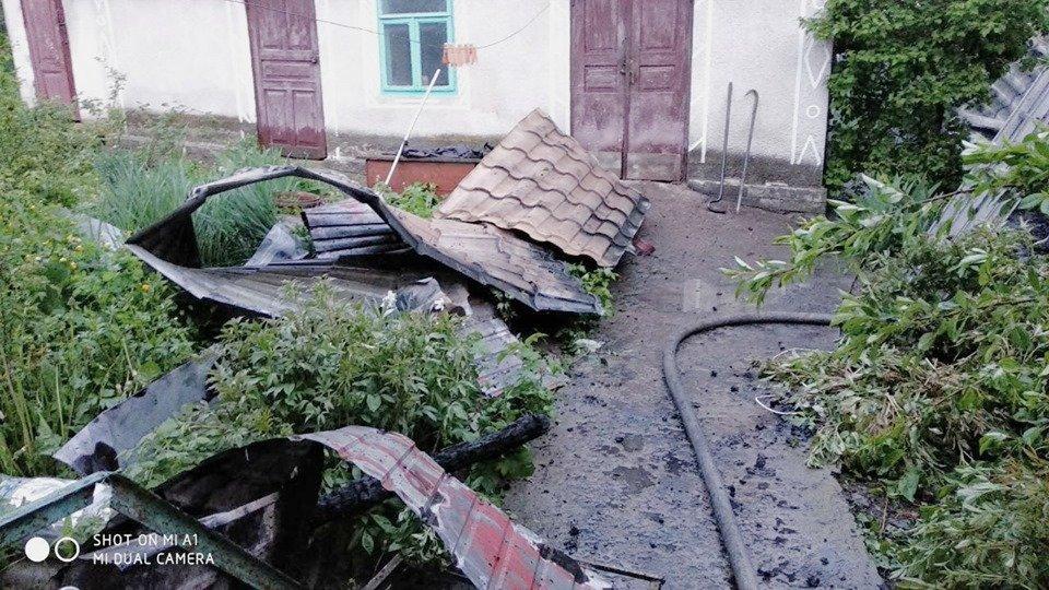 В селі Голосків горів житловий будинок, фото-4