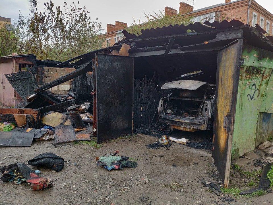 На мікрорайоні Жовтневому сталась масштабна пожежа через підпал, фото-5
