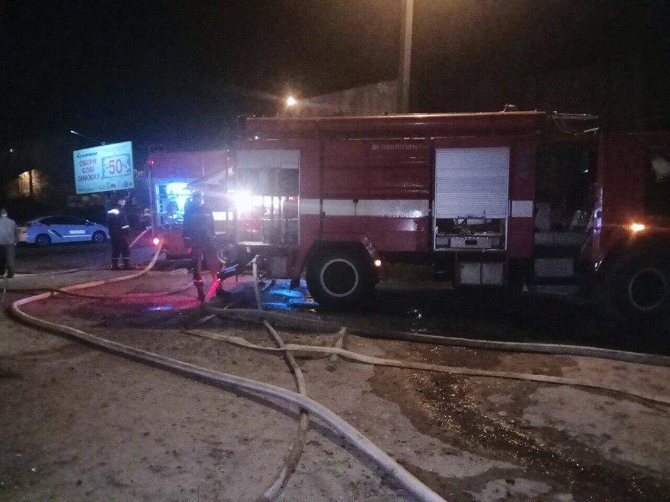 На мікрорайоні Жовтневому сталась масштабна пожежа через підпал, фото-6