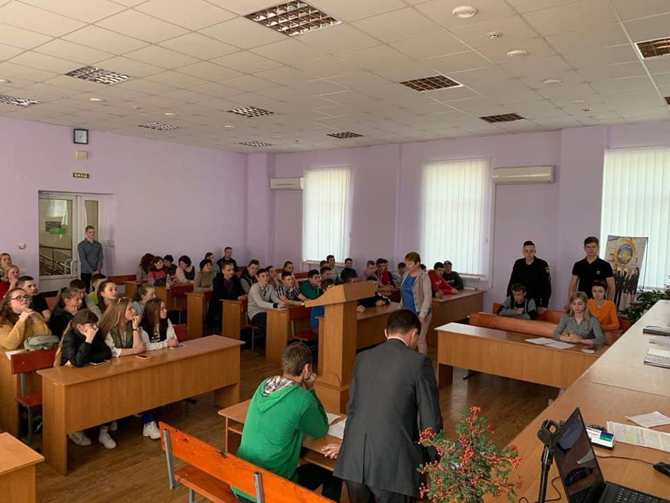 Школярі Кам'янеччини побували на судовому засіданні, фото-1