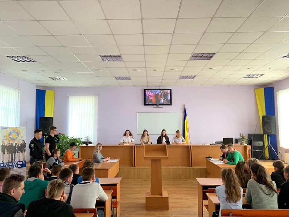 Школярі Кам'янеччини побували на судовому засіданні, фото-2