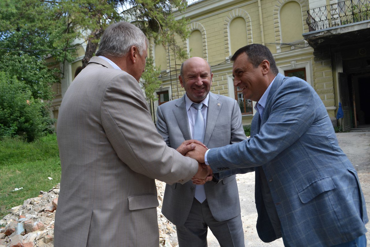 Хто такий депутат-мажоритарник? На прикладі Володимира Мельниченка та 193 ОВО, фото-1, Фото: НГП