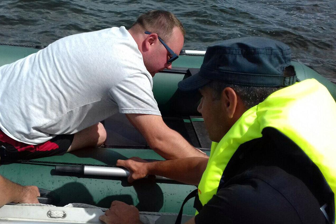 Рятувальники вкотре врятували людей на Дністрі, фото-1