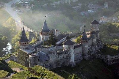 ТОП-10 місць, які варто відвідати у Кам'янці-Подільському, фото-1