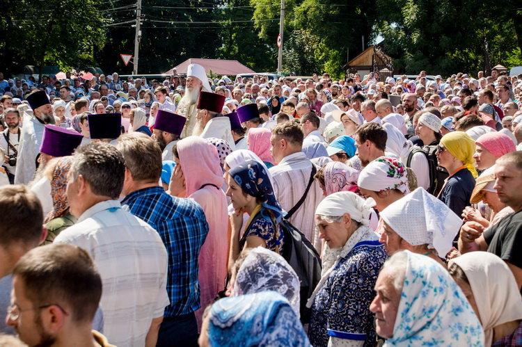 Хресний хід до Почаєва: понад 20 тисяч вірян вийшли з Кам'янця-Подільського, фото-2, Фото: СПЖ