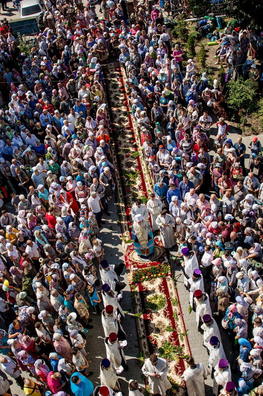 Хресний хід до Почаєва: понад 20 тисяч вірян вийшли з Кам'янця-Подільського, фото-1, Фото: СПЖ