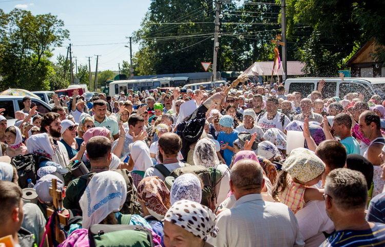 Хресний хід до Почаєва: понад 20 тисяч вірян вийшли з Кам'янця-Подільського, фото-4, Фото: СПЖ