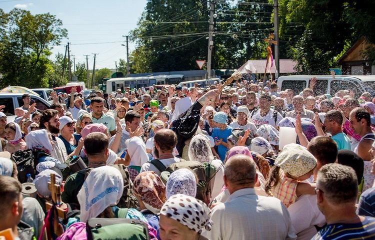Хресний хід до Почаєва: понад 20 тисяч вірян вийшли з Кам'янця-Подільського, фото-6, Фото: СПЖ