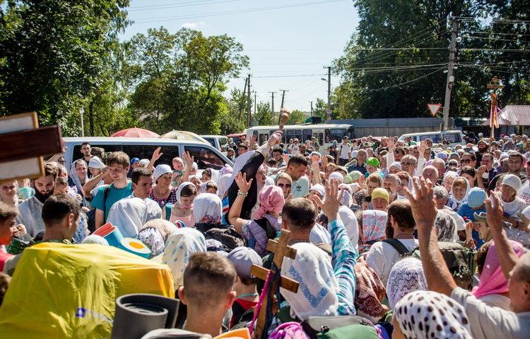 Хресний хід до Почаєва: понад 20 тисяч вірян вийшли з Кам'янця-Подільського, фото-7, Фото: СПЖ