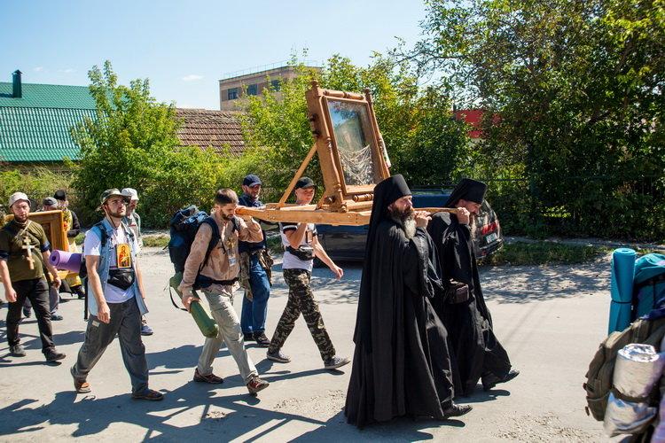 Хресний хід до Почаєва: понад 20 тисяч вірян вийшли з Кам'янця-Подільського, фото-10, Фото: СПЖ