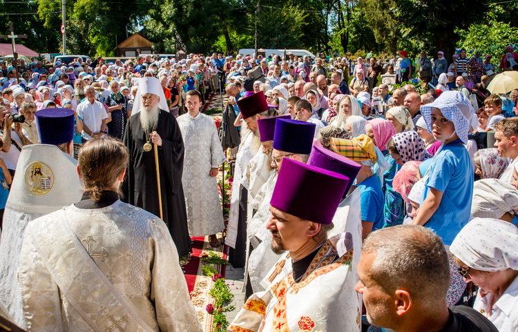 Хресний хід до Почаєва: понад 20 тисяч вірян вийшли з Кам'янця-Подільського, фото-16, Фото: СПЖ