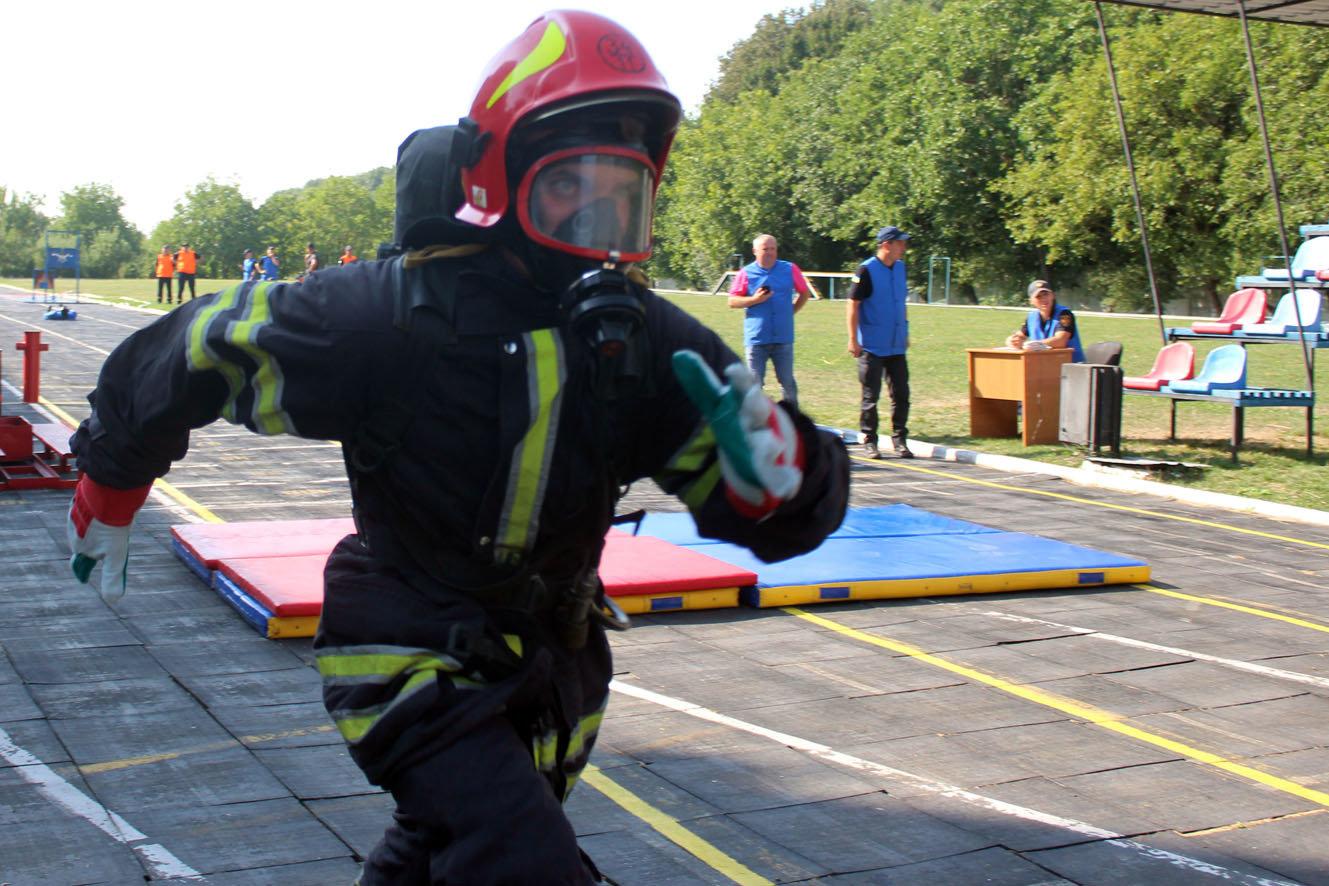 """Кам'янецькі рятувальники вибороли звання """"Найсильніший пожежний-рятувальник"""", фото-11"""