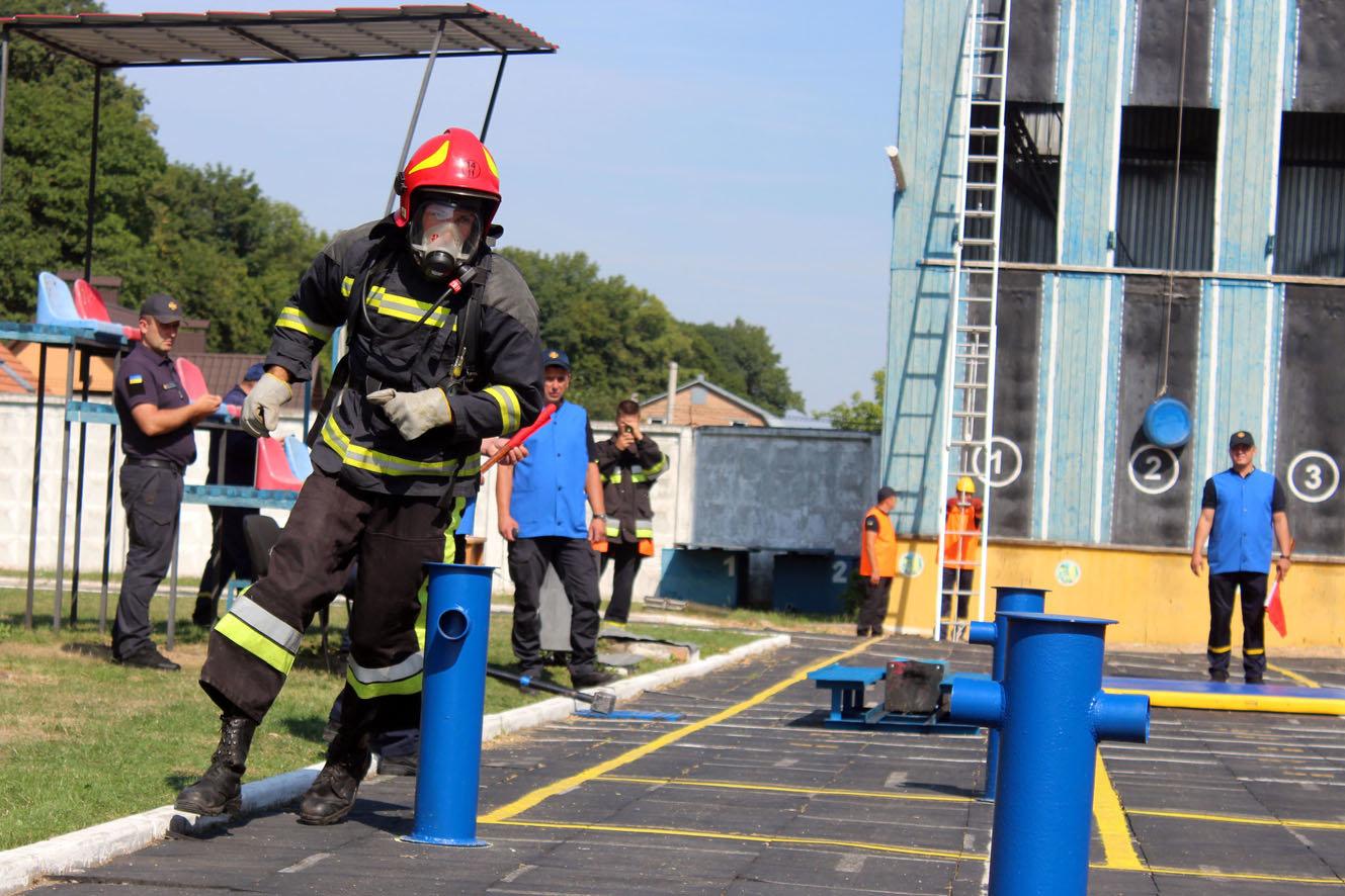 """Кам'янецькі рятувальники вибороли звання """"Найсильніший пожежний-рятувальник"""", фото-15"""