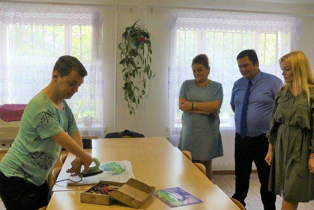 У одному із коледжів Кам'янця-Подільського облаштували підйомник для студентів-візочників, фото-9, Фото: Кам'янець-Подільська міська рада