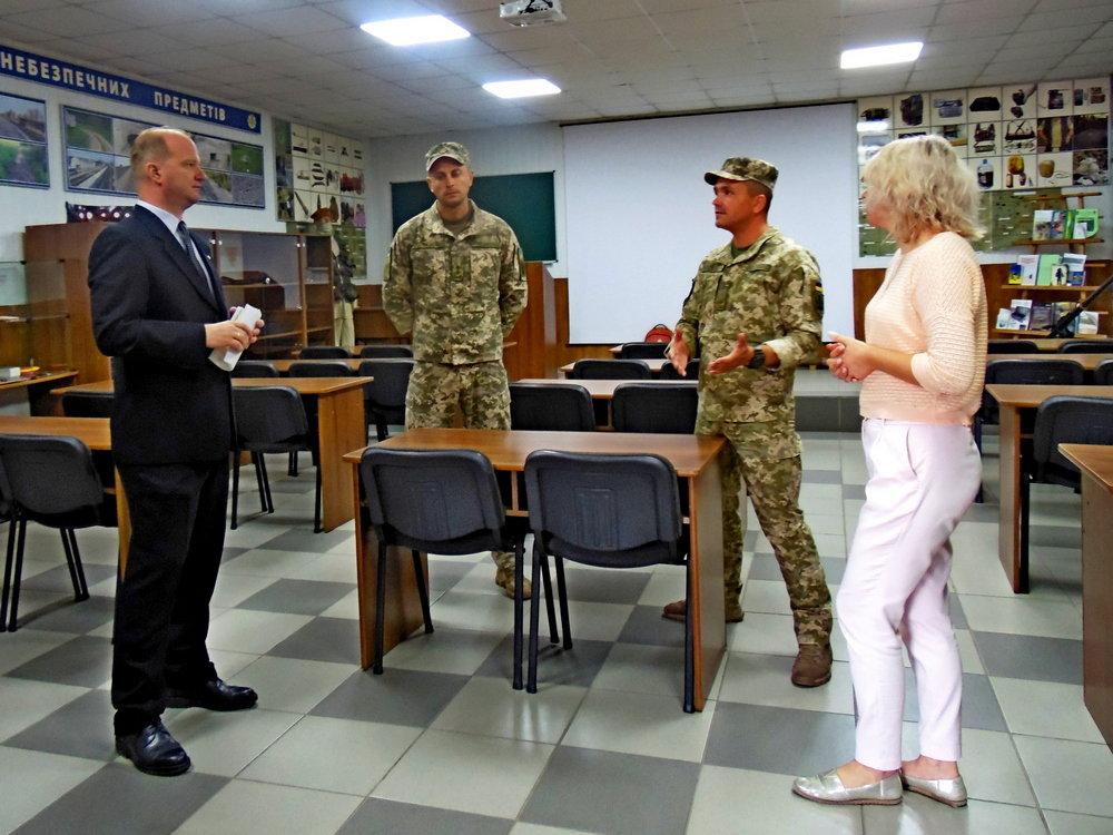 Військові Центру розмінування провели зустріч із представниками Червоного Хреста, фото-3, Фото: Центр розмінування