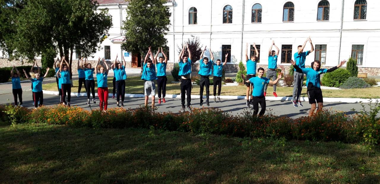 """Студенти харчового коледжу приєднались до Всеукраїнського флешмобу """"Берпі"""", фото-6"""
