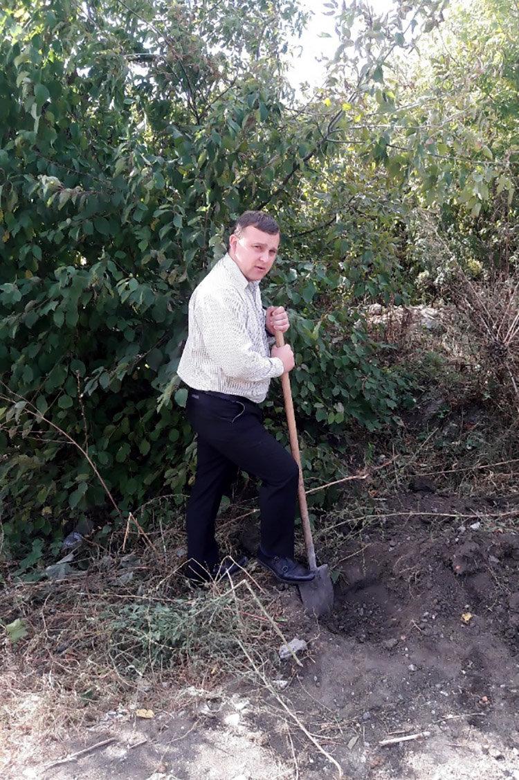 Студенти ПДАТУ впорядкувати могили на території понтонної частини, фото-2, Фото: ПДАТУ