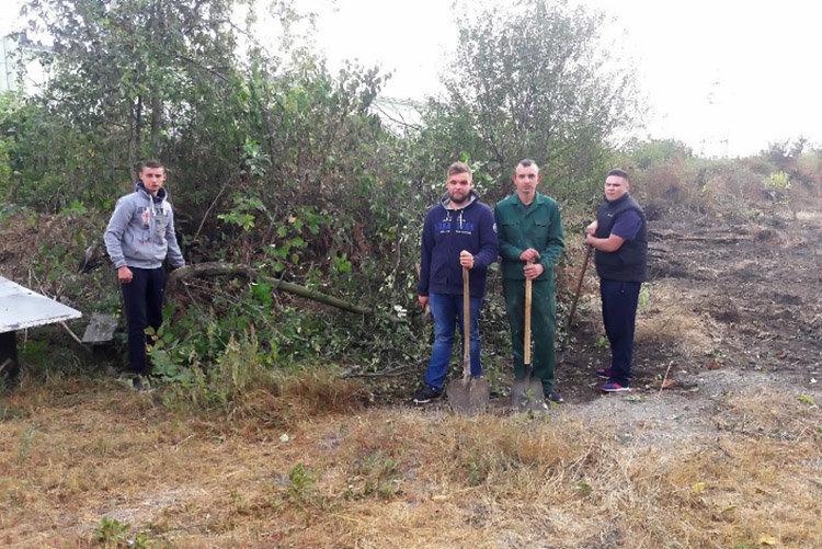 Студенти ПДАТУ впорядкувати могили на території понтонної частини, фото-8, Фото: ПДАТУ