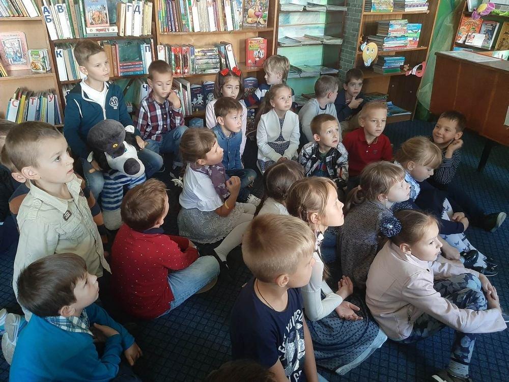 Кам'янецькі школярі у бібліотеці шукали скарби, фото-2, Фото: Оксана Манчурак