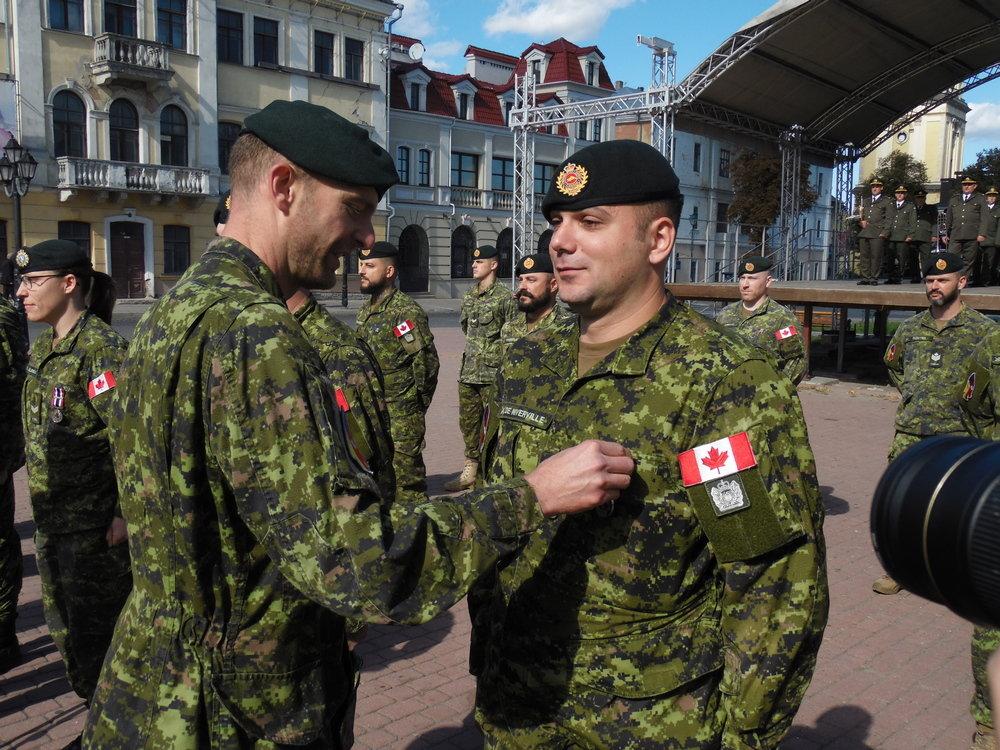 У Кам'янці-Подільському відбувся Парад медалей на честь військових інструкторів-саперів з Канади, фото-3, Фото: Центр розмінування