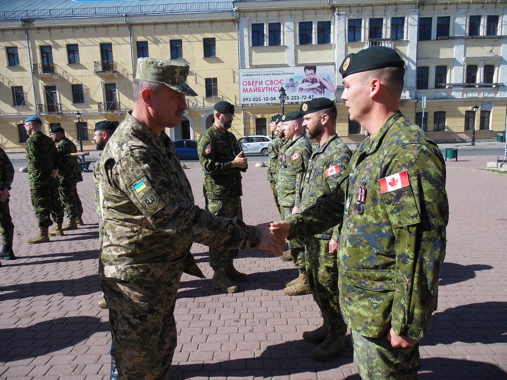 У Кам'янці-Подільському відбувся Парад медалей на честь військових інструкторів-саперів з Канади, фото-4, Фото: Центр розмінування