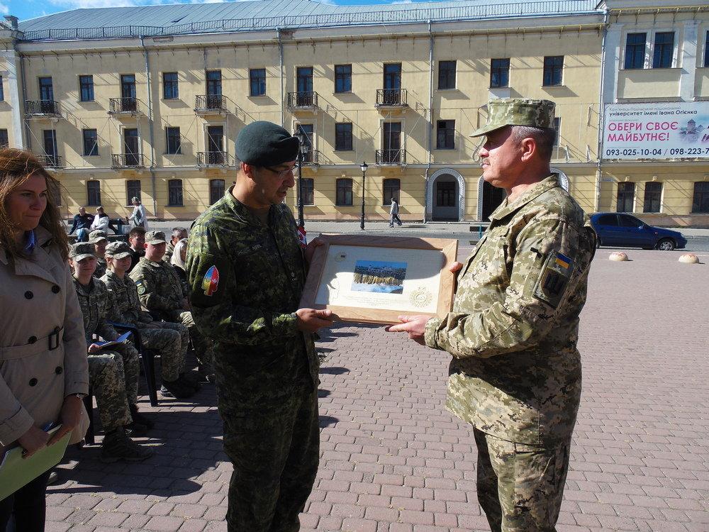 У Кам'янці-Подільському відбувся Парад медалей на честь військових інструкторів-саперів з Канади, фото-5, Фото: Центр розмінування