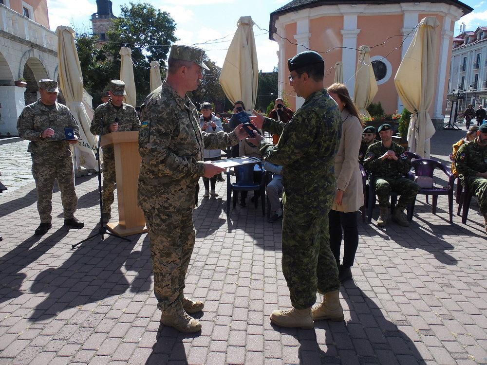 У Кам'янці-Подільському відбувся Парад медалей на честь військових інструкторів-саперів з Канади, фото-9, Фото: Центр розмінування