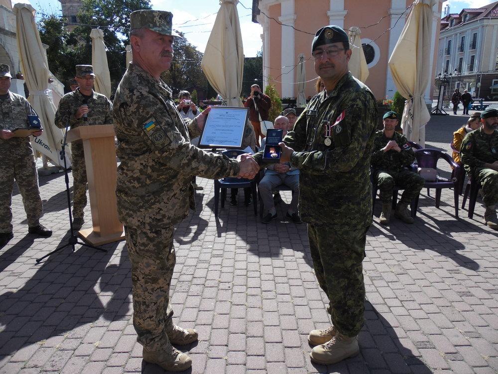 У Кам'янці-Подільському відбувся Парад медалей на честь військових інструкторів-саперів з Канади, фото-10, Фото: Центр розмінування