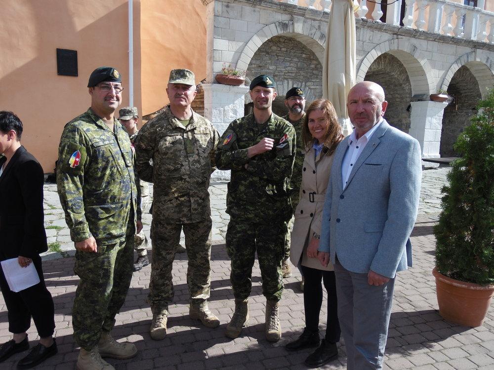 У Кам'янці-Подільському відбувся Парад медалей на честь військових інструкторів-саперів з Канади, фото-13, Фото: Центр розмінування