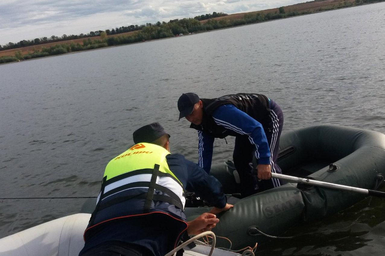На Дністрі врятували 36-річного рибалку, фото-1