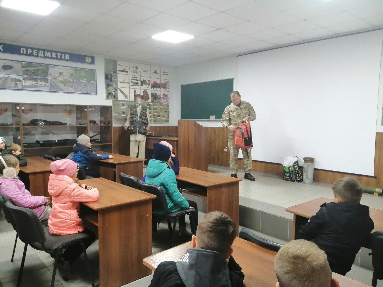 Кам'янецькі військові відкрили двері для юних дослідників, фото-7