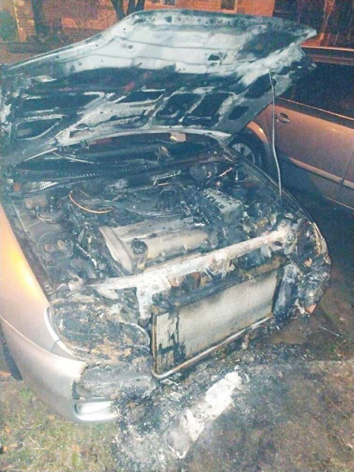 """У Кам'янці-Подільському згоріла """"Mazda323""""  , фото-1, Фото: """"Служба порятунку 101 Кам'янець-Подільський"""""""