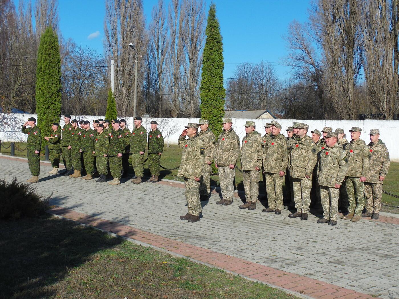 У Кам'янці вшанували усіх, хто у різні роки не повернувся із поля бою, фото-8